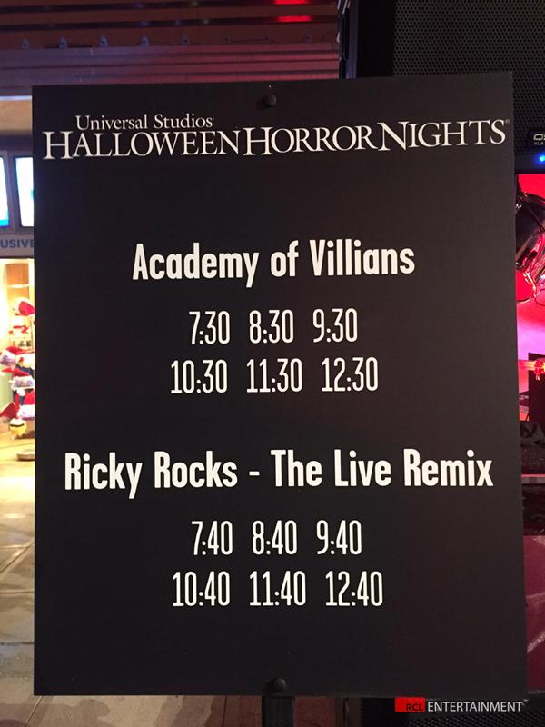 rr blog IMG_6885 horror nights sign 2015 WEB